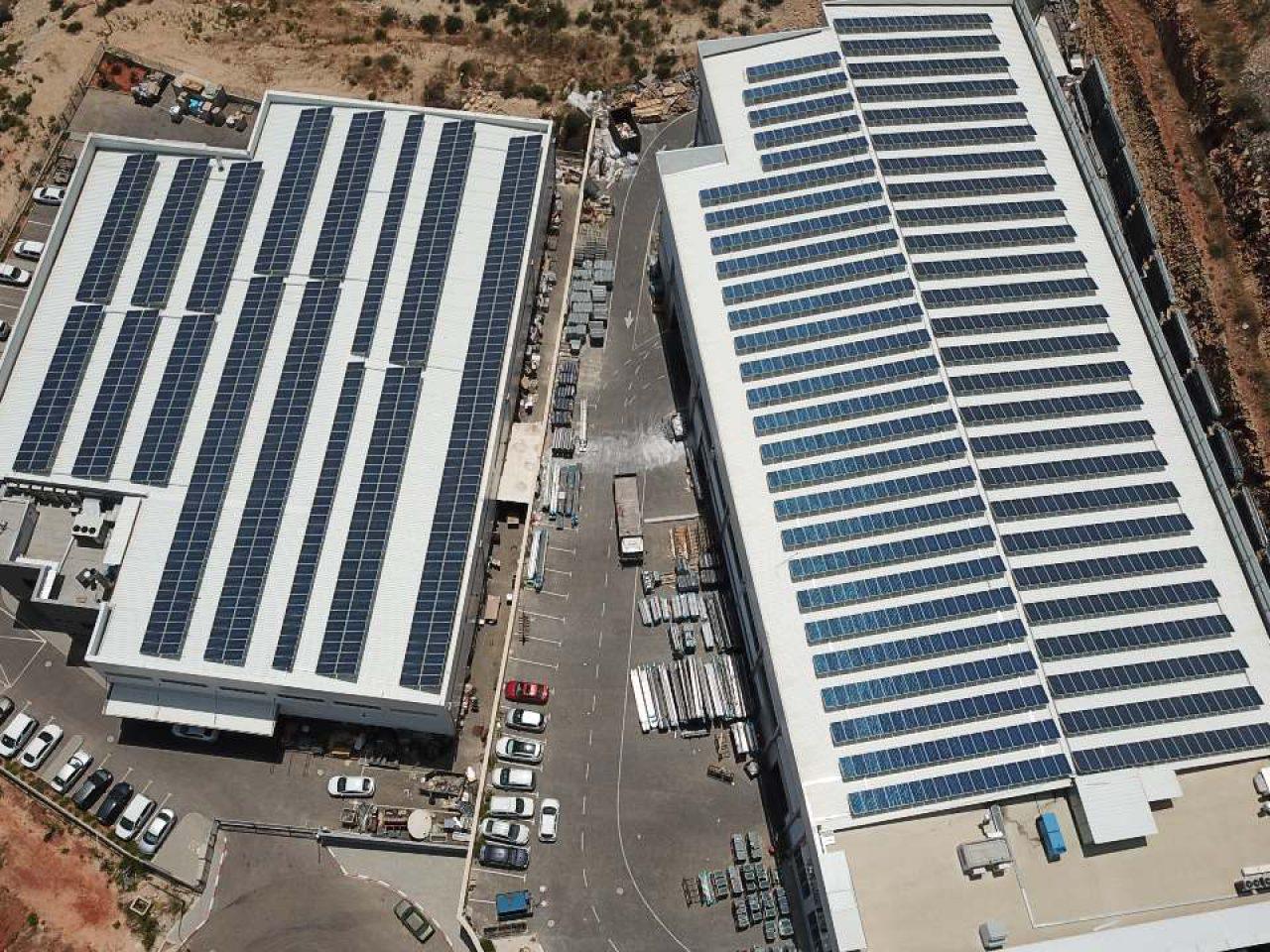 התקנת מערכות סולאריות מסחריות