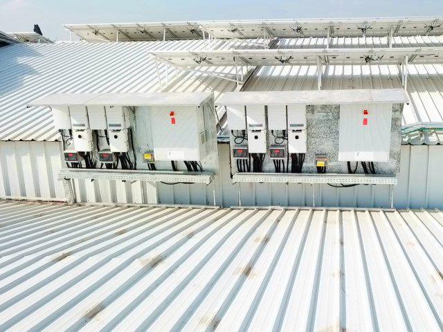 מערכות-סולאריות-על-גגות-בתעשייה-06