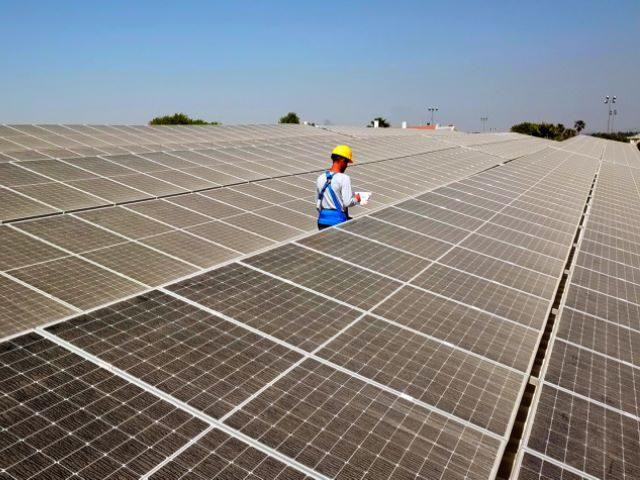מערכת אנרגיה סולארית במושבים במרכז