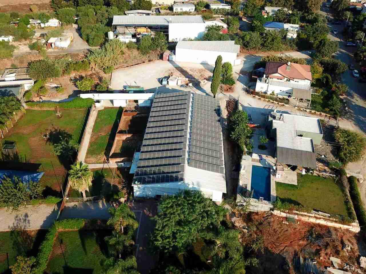 מערכת סולארית שותפות בכפר טרומן